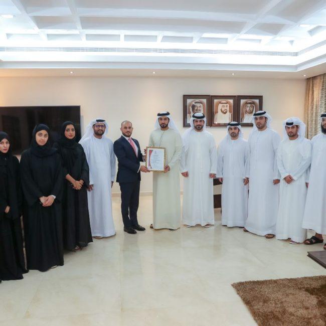 بلدية عجمان تحصد شهادة ISO 20400=2017 الخاصة بإدارة المشتريات المستدامة وسلاسل التوريد