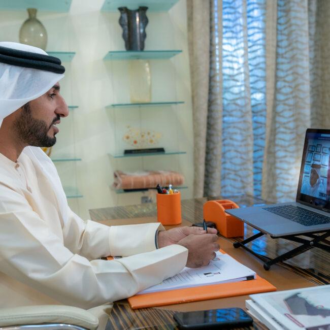 راشد بن حميد وعلي بن خليفة يبحثان تعزيز التعاون المشترك بين الاتحادين الإماراتي والبحريني لكرة القدم